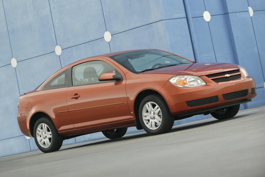 2010 Chevrolet Cobalt Photo 2 of 14