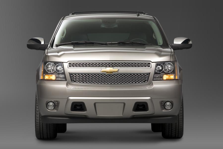 2010 Chevrolet Tahoe Photo 3 of 16