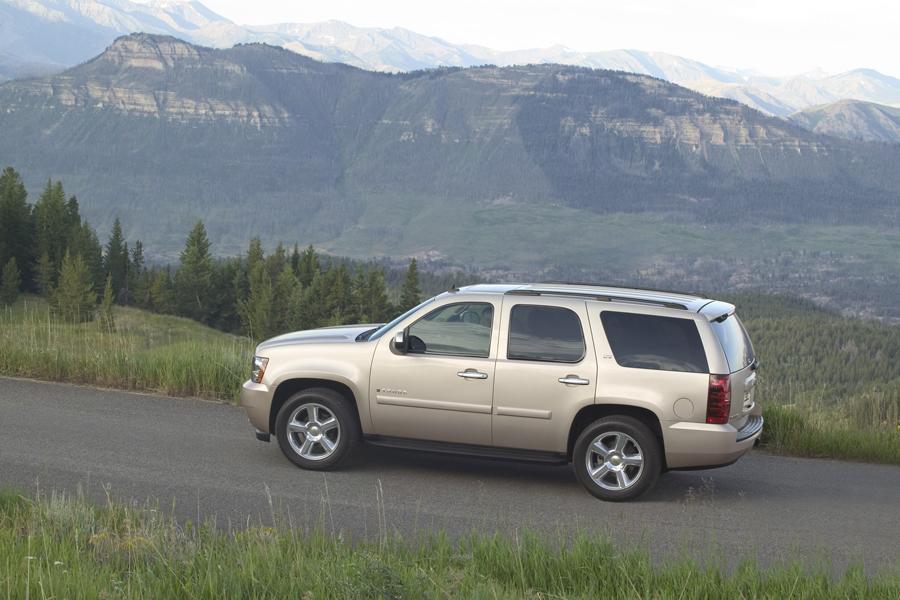 2010 Chevrolet Tahoe Photo 4 of 16