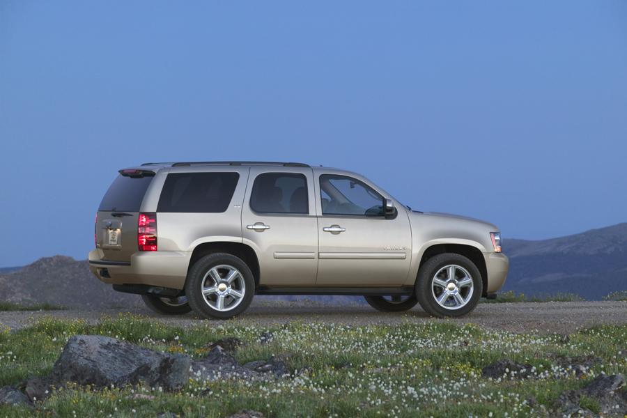 2010 Chevrolet Tahoe Photo 5 of 16