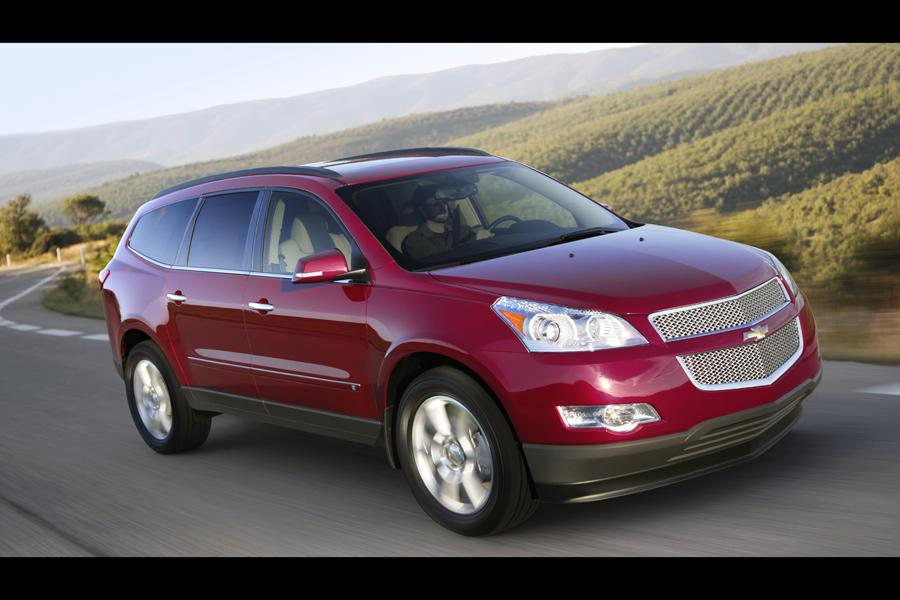 2010 Chevrolet Traverse Photo 3 of 14