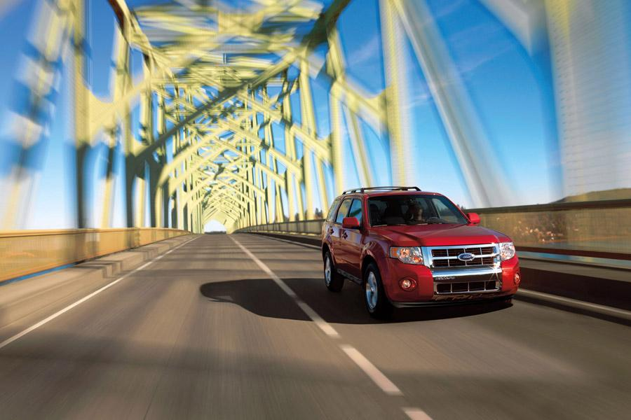 2010 Ford Escape Photo 4 of 11