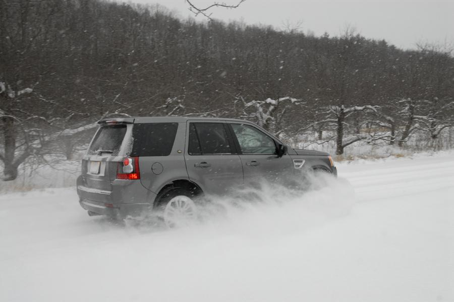 2010 Land Rover LR2 Photo 3 of 20