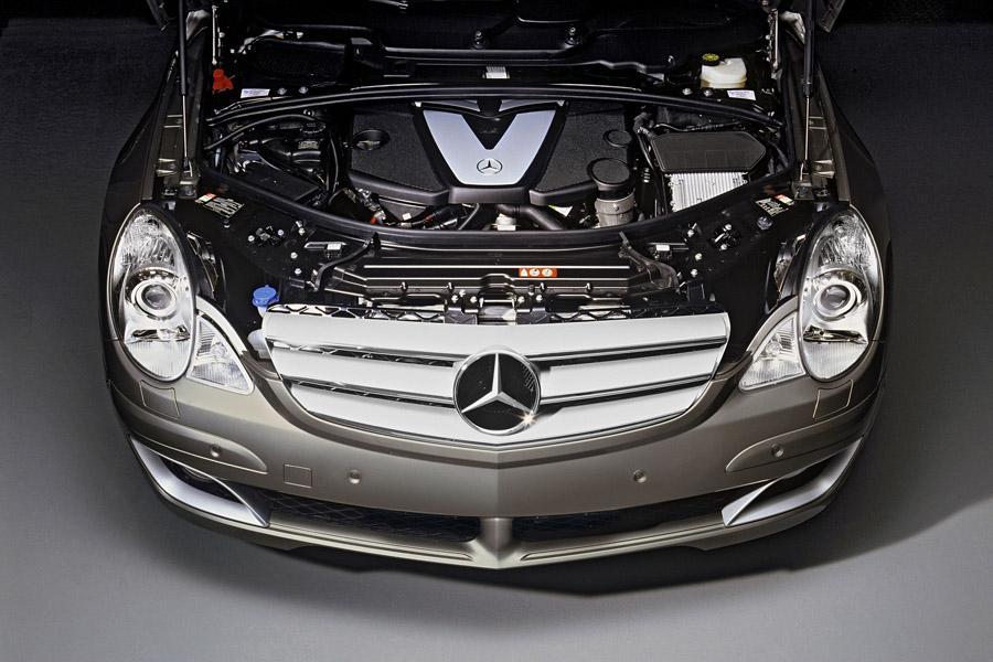 2010 Mercedes-Benz R-Class Photo 2 of 20