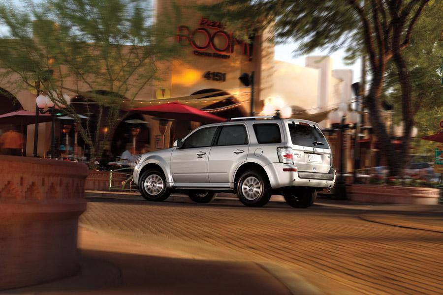 2010 Mercury Mariner Photo 2 of 10