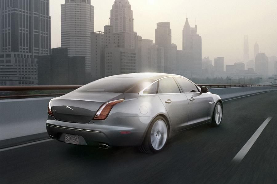 2010 Jaguar XJ Photo 3 of 20