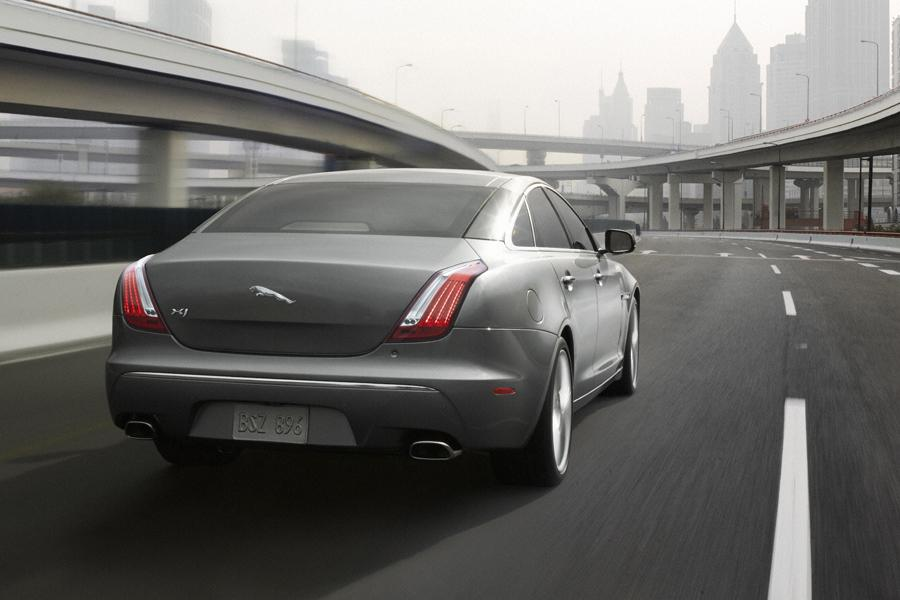2010 Jaguar XJ Photo 4 of 20