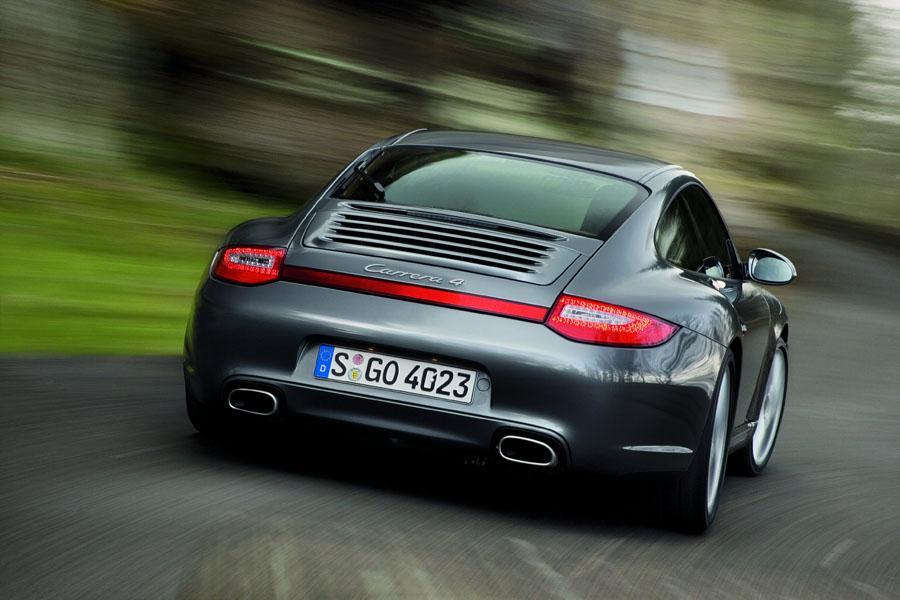 2010 Porsche 911 Photo 2 of 19