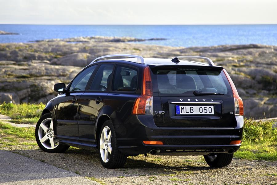 2010 Volvo V50 Reviews, Specs and Prices | Cars.com