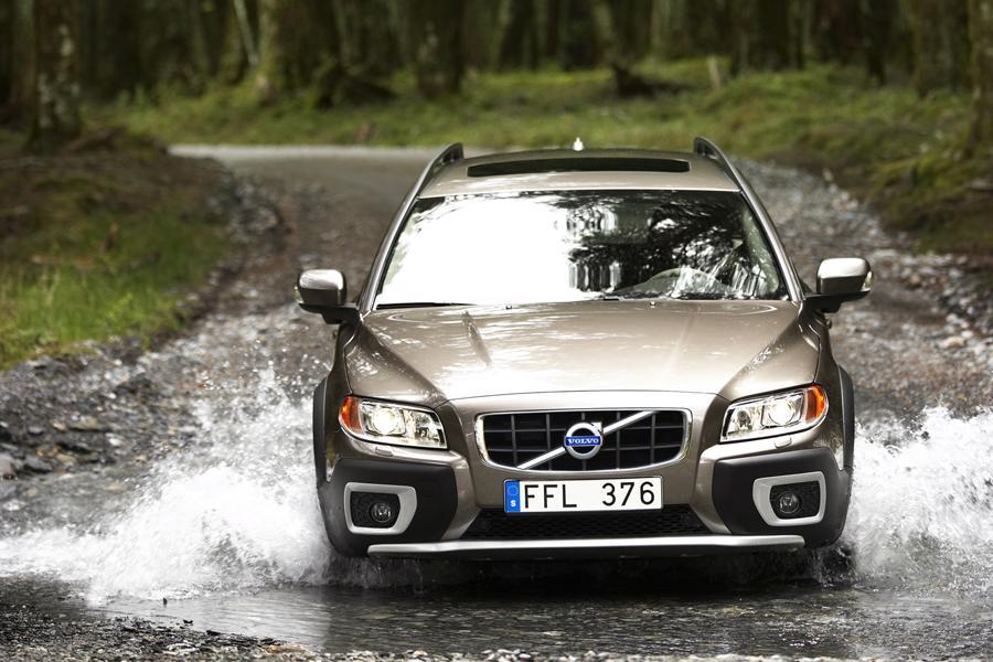 2010 Volvo XC70 Photo 5 of 5