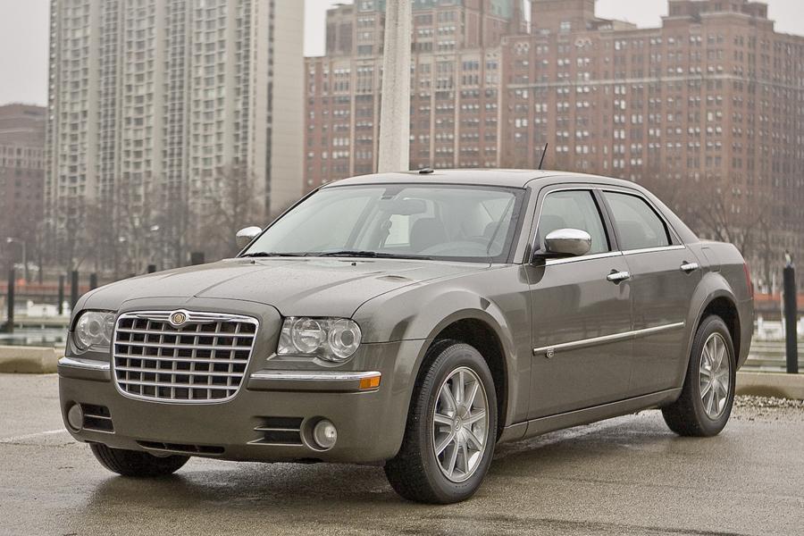 2010 Chrysler 300 Photo 1 of 6