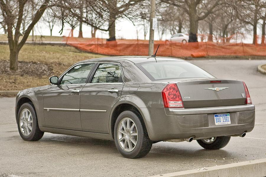 2010 Chrysler 300 Photo 4 of 6