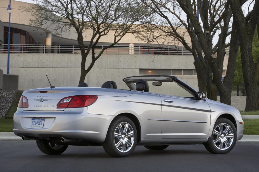 2010 Chrysler Sebring Photo 4 of 15