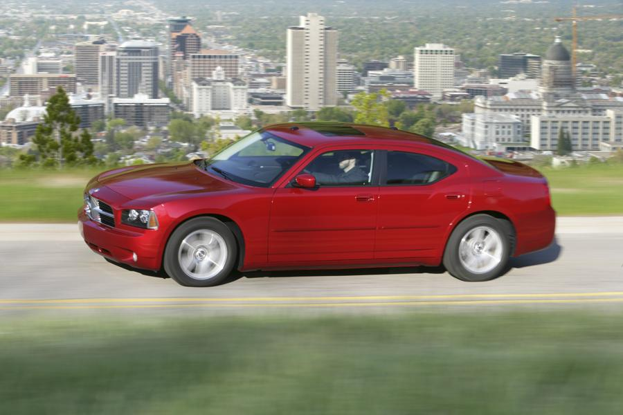 2010 Dodge Charger Photo 4 of 19