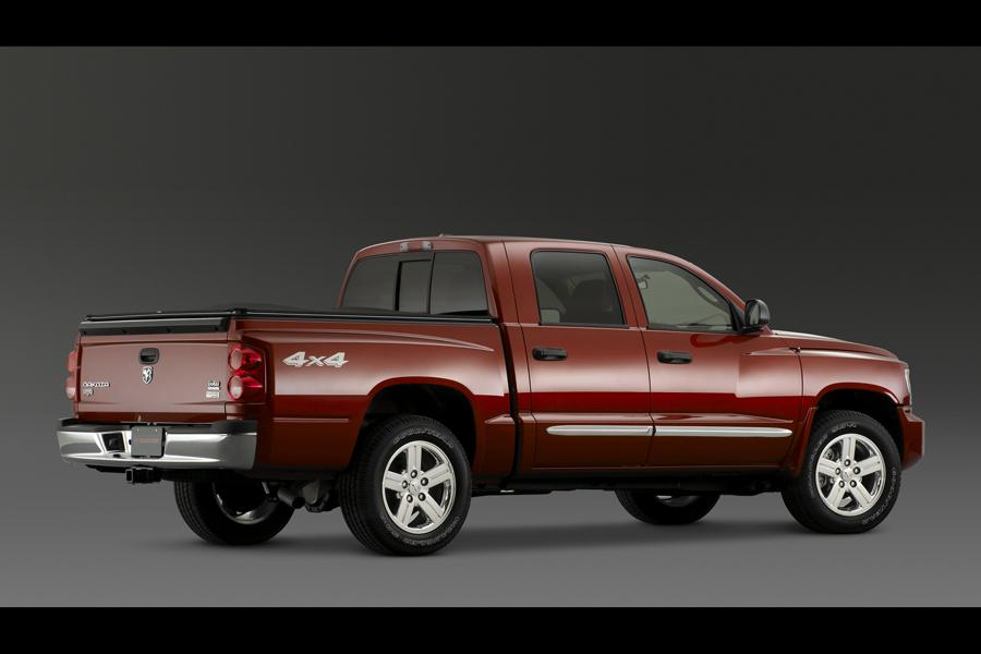 2010 Dodge Dakota Photo 2 of 7