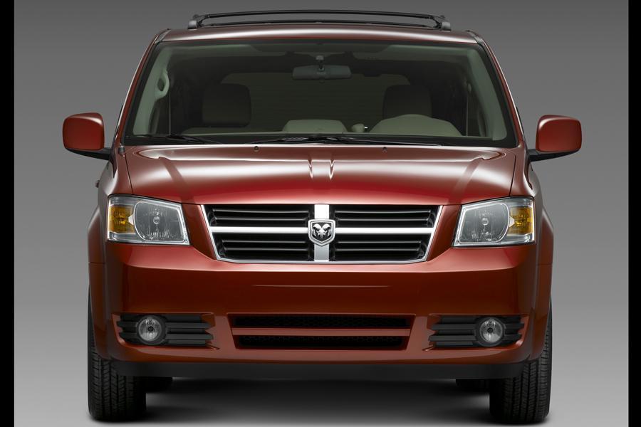 2010 Dodge Grand Caravan Photo 4 of 15