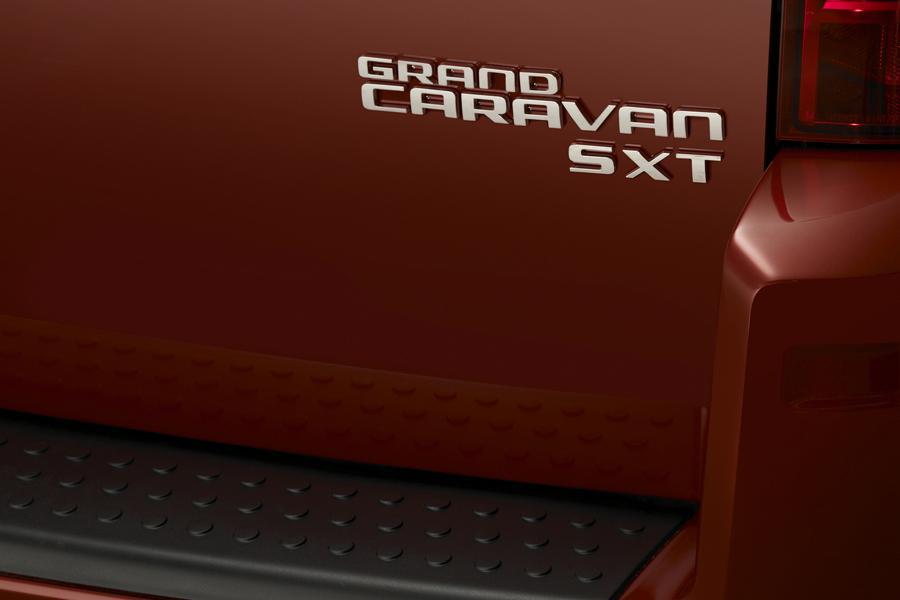 2010 Dodge Grand Caravan Photo 5 of 15