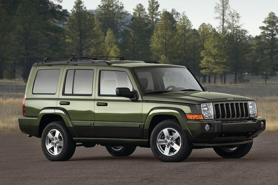 2010 Jeep Commander Photo 3 of 7