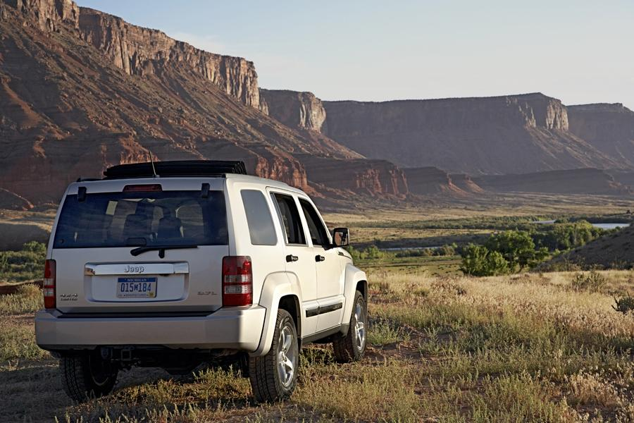 2010 Jeep Liberty Photo 3 of 16