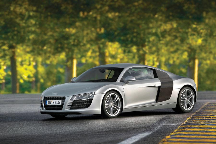 2010 Audi R8 Photo 2 of 20