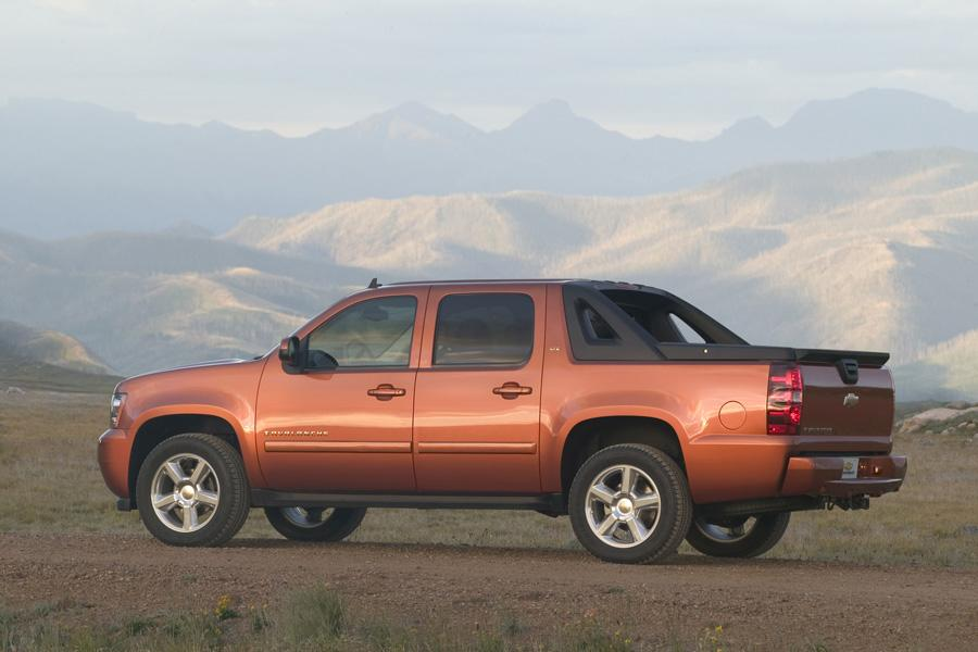 2010 Chevrolet Avalanche Overview  Carscom