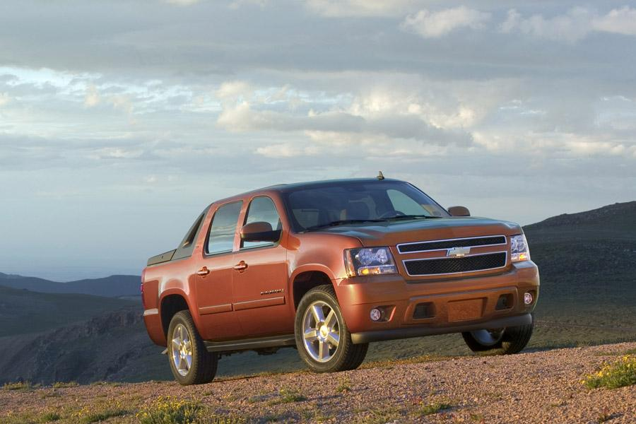 2010 Chevrolet Avalanche Photo 4 of 16