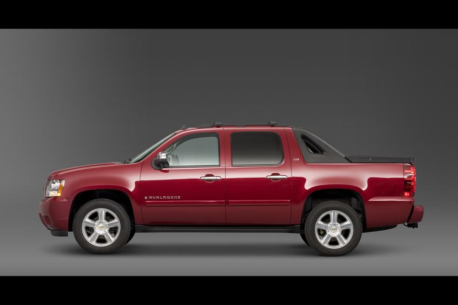 2010 Chevrolet Avalanche Reviews, Specs and Prices | Cars.com