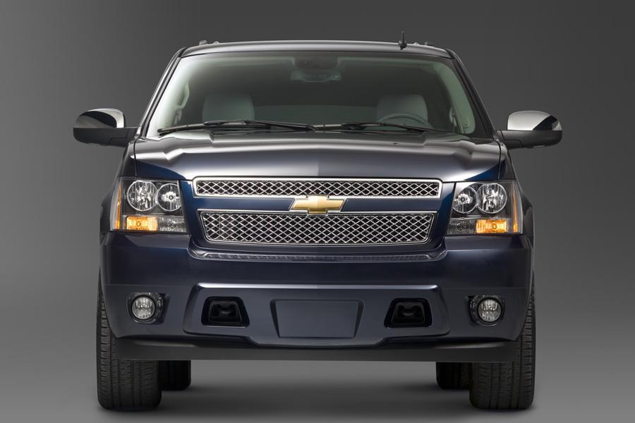 2010 Chevrolet Suburban Photo 3 of 14
