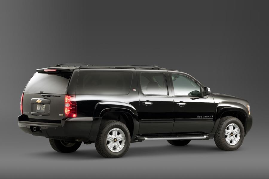 2010 Chevrolet Suburban Photo 6 of 14
