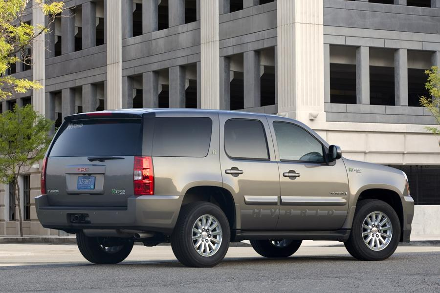 2010 GMC Yukon Hybrid Photo 2 of 15
