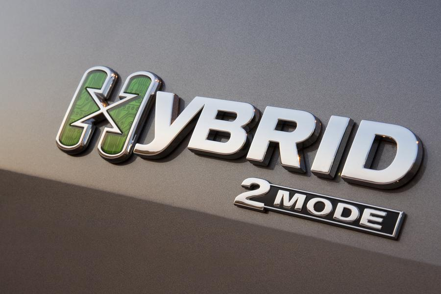 2010 GMC Yukon Hybrid Photo 6 of 15