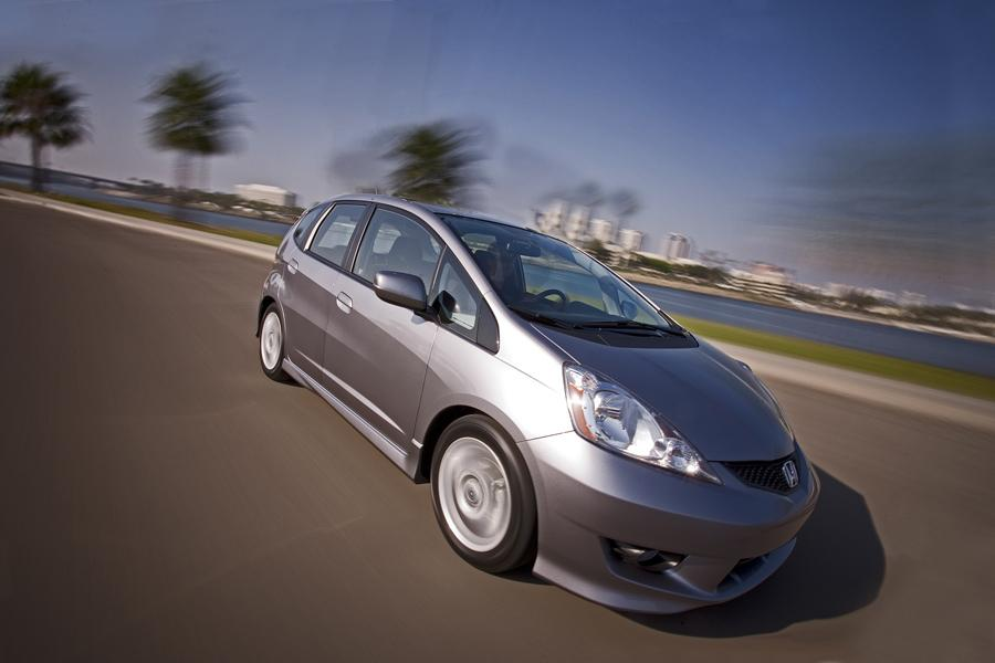2010 Honda Fit Photo 2 of 20