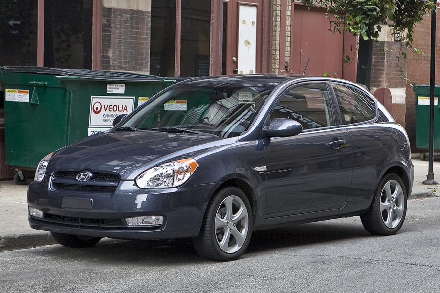 2010 Hyundai Accent Overview Cars Com