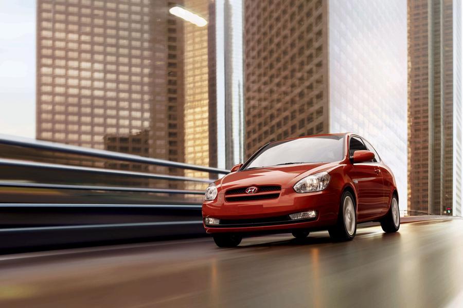 2010 Hyundai Accent Photo 5 of 20