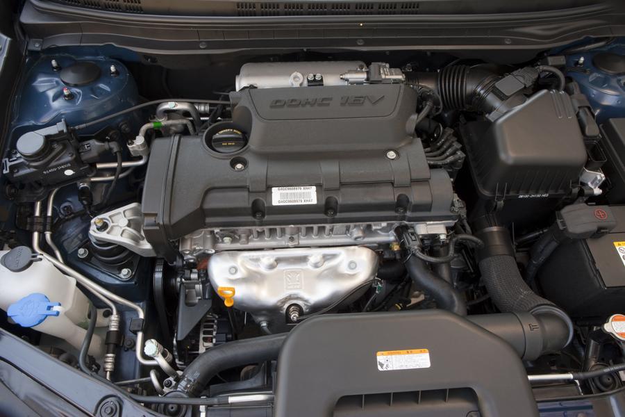 2010 Hyundai Elantra Photo 2 of 20