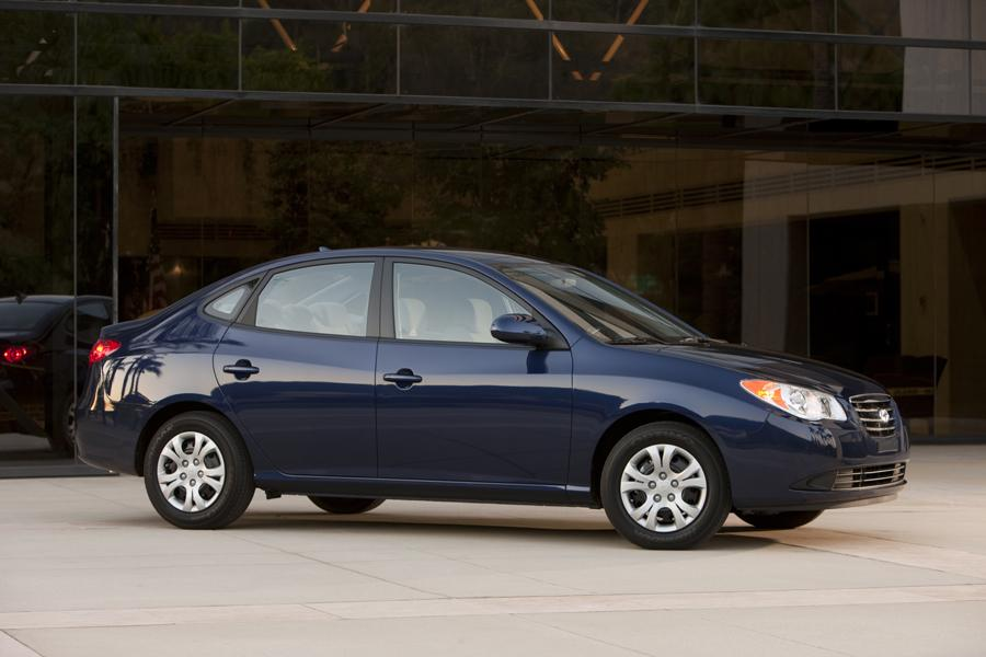 2010 Hyundai Elantra Photo 4 of 20