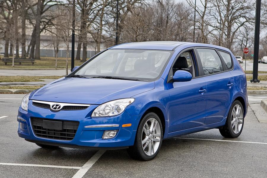 2010 Hyundai Elantra Touring Photo 1 of 20