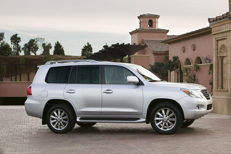 2010 Lexus LX 570 Photo 6 of 20