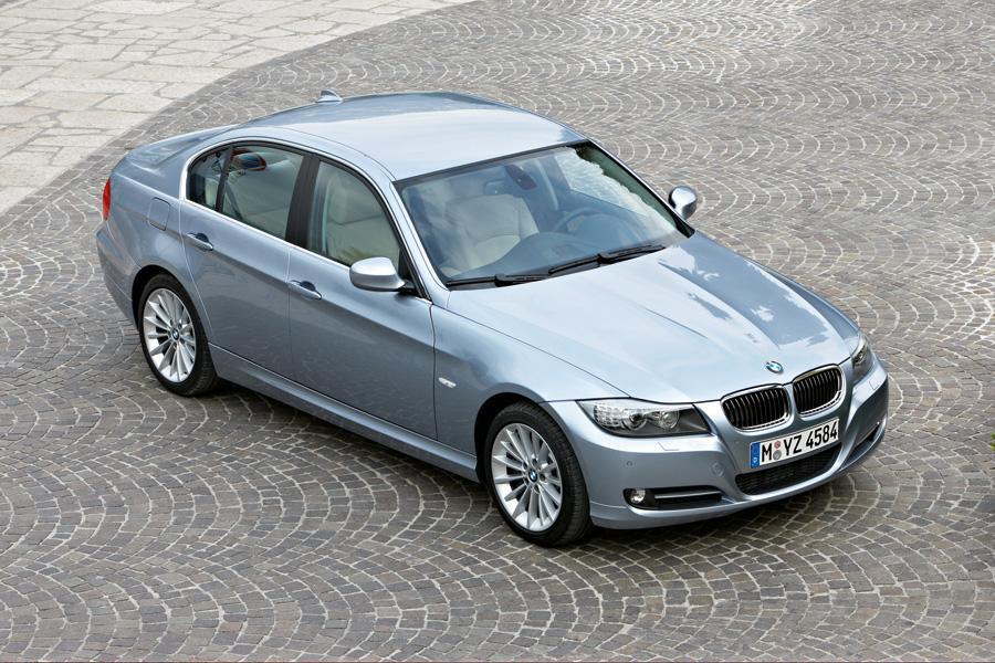 2010 BMW 335 Photo 2 of 21