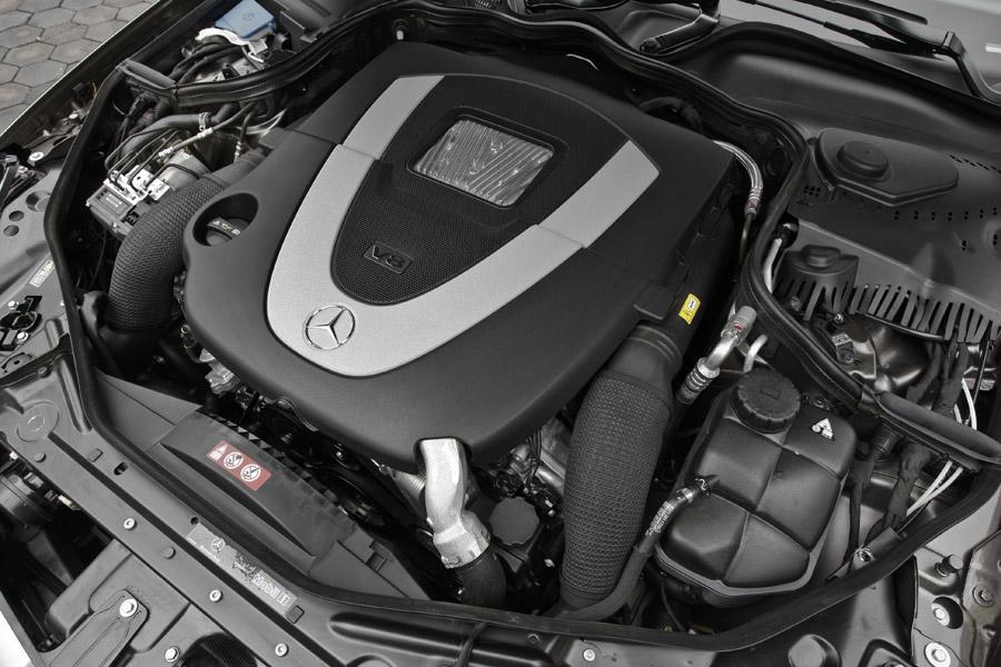 2010 Mercedes-Benz CLS-Class Photo 2 of 20