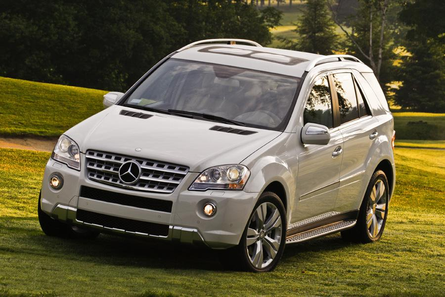 2010 mercedes benz m class overview for Mercedes benz roadside assistance coverage