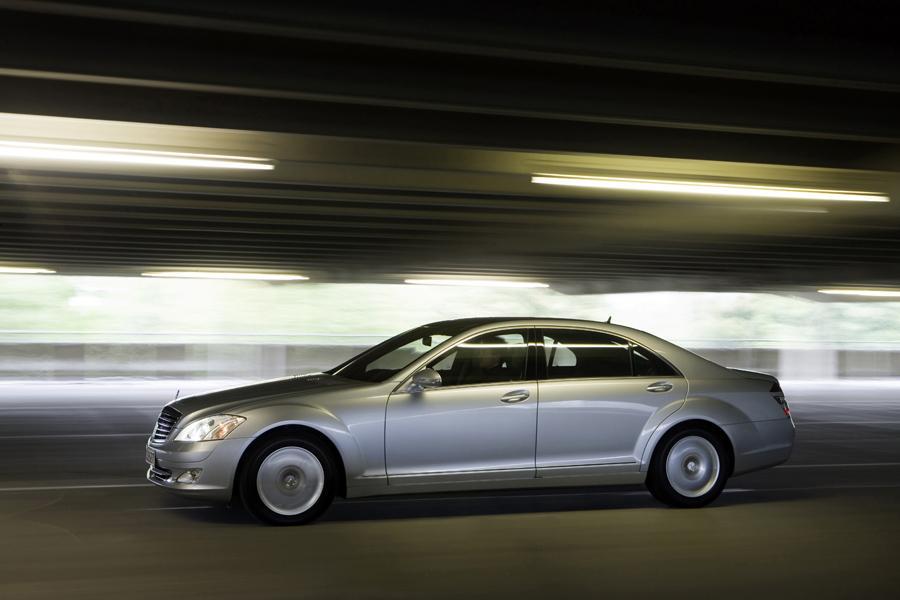 2010 Mercedes-Benz S-Class Photo 3 of 19
