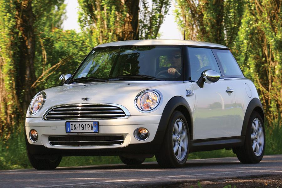 2010 mini cooper overview. Black Bedroom Furniture Sets. Home Design Ideas