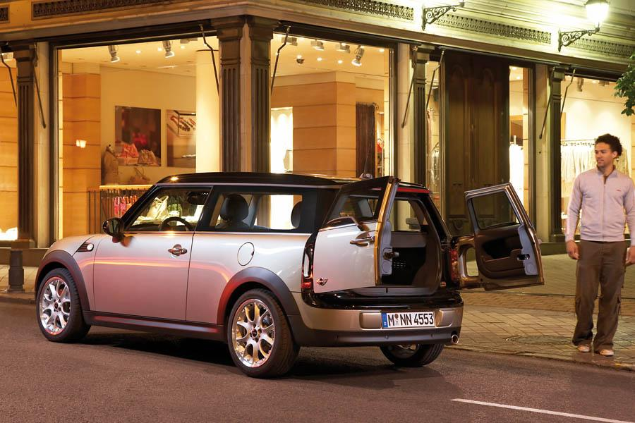 2010 MINI Cooper Clubman Photo 4 of 16