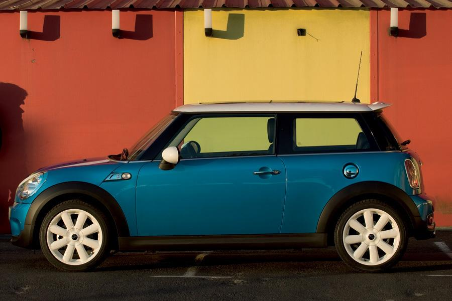 2010 MINI Cooper S Photo 3 of 9