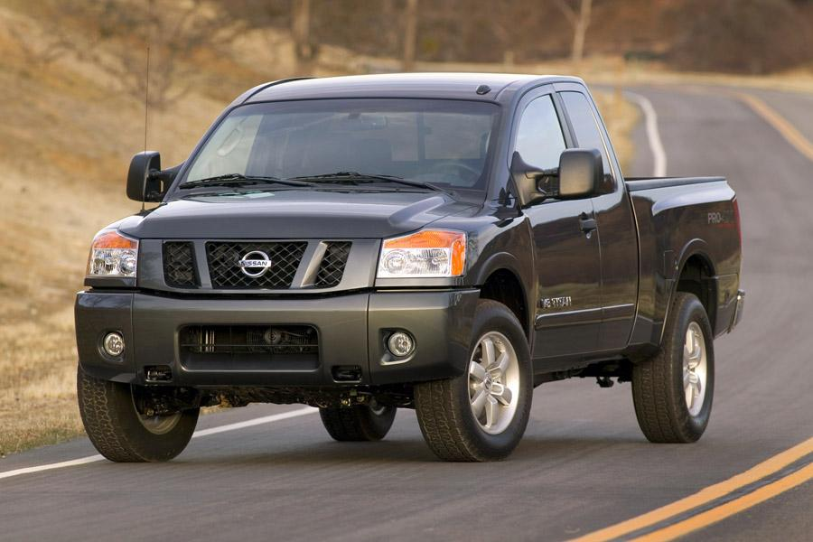 2010 nissan titan overview. Black Bedroom Furniture Sets. Home Design Ideas