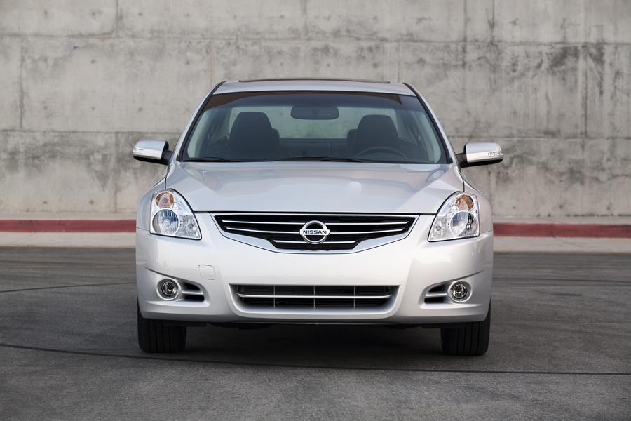 2010 Nissan Altima Specs Pictures Trims Colors Cars Com