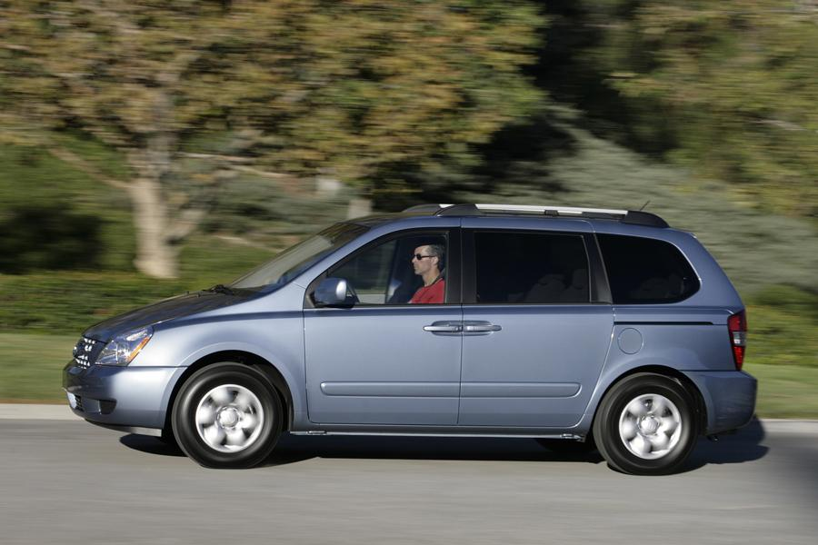 2010 Kia Sedona Photo 6 of 19