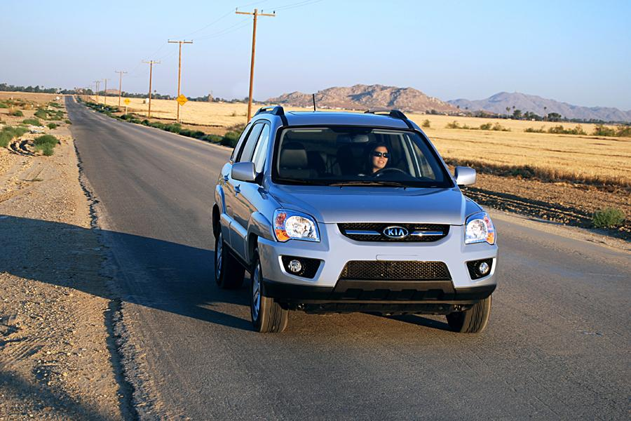 2010 Kia Sportage Photo 2 of 7