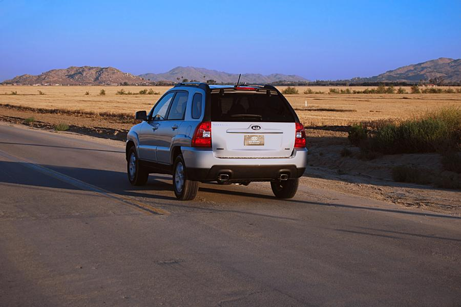 2010 Kia Sportage Photo 4 of 7
